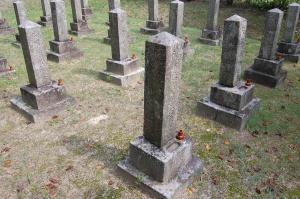 陸軍兵曹藤井六蔵の墓石