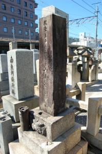 日露戦争で病死した20歳陸軍歩兵二等卒の墓石