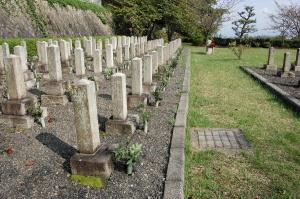 Lブロック最前列@旧大津陸軍墓地