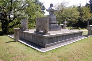 戦後(1980年)に新設された供養塔@旧大津陸軍墓地