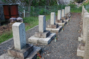 20代前半の下級士族出身の若者の墓碑