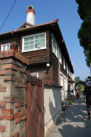 入り口から見た旧ヴォーリズ住宅