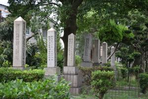 将校の墓碑@旧真田山陸軍墓地