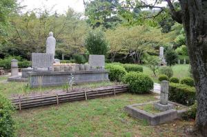大津旧陸軍墓地 エリアG(ロシア人兵士の墓)手前右