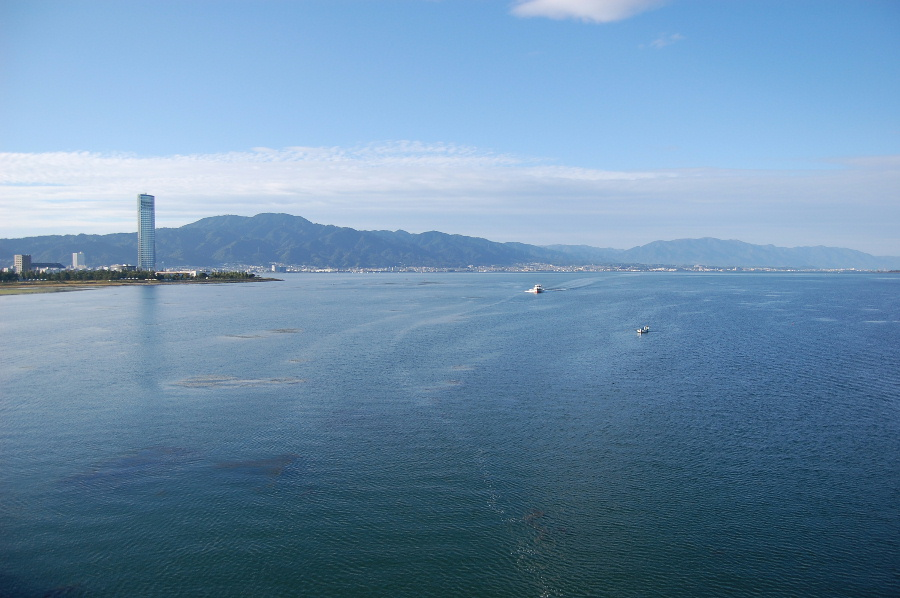 近江大橋から見る琵琶湖(南湖)