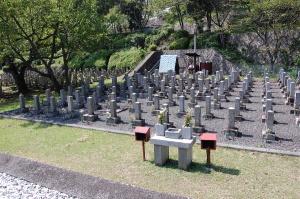 正面から見た旧大津陸軍墓地 Kブロック