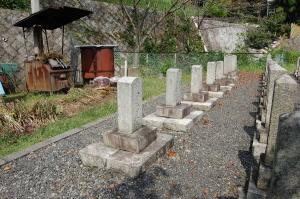 Kブロックの最後尾の9柱@旧大津陸軍墓地