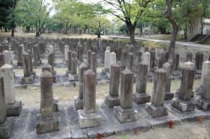 日清戦争で病死した軍夫・中江幸四郎の墓碑