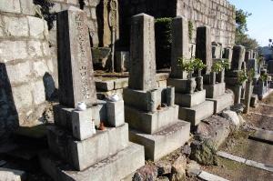 墓碑めぐりのきっかけとなった4柱の日露戦争戦没者の墓碑
